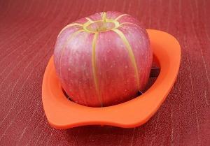 cortador e fatiador de maçã e pera prático e eficiente