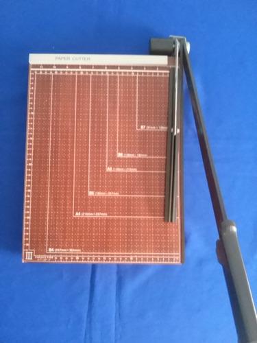 cortadora de papel  + grapadora manual 35usd