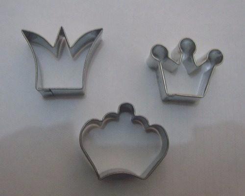 cortante coronas princesas x 3 unidades porcelana fria