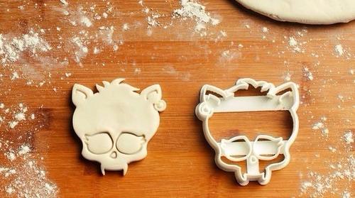 cortantes  para galletitas monster high !