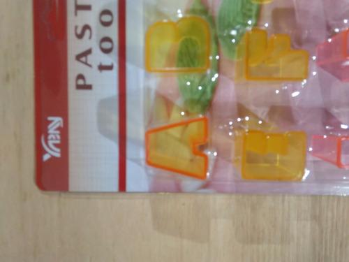 cortantes plásticos para fondant abecedario