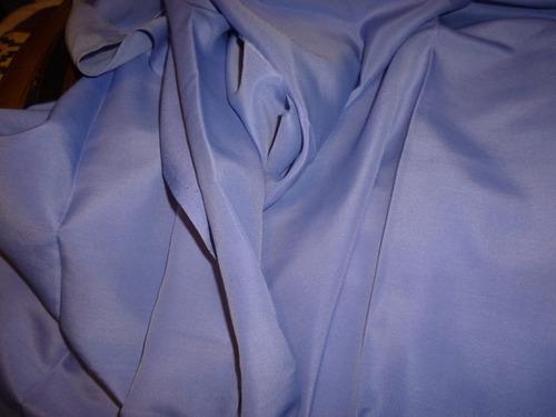 corte de tela de seda