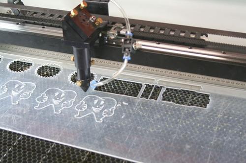 corte e gravação a laser - prestação de serviço