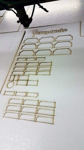 corte laser y grabado, exhibidores acrilico, servicio corte