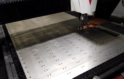 corte láser y plegado de chapa - fabricación de estructuras.