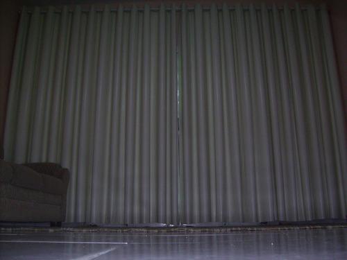 *cortina. blackout 8,40larg x 2,20 alt  bege para varão