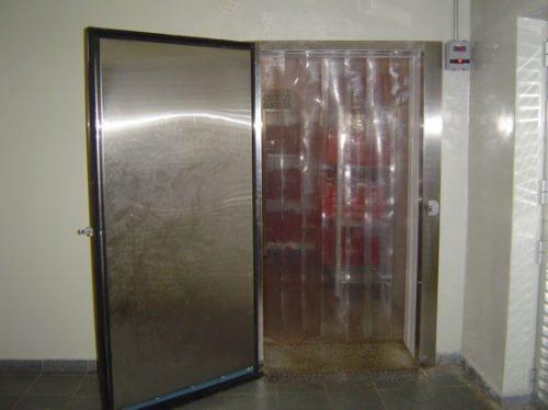 cortina camara fria caminhão refrigerado m²