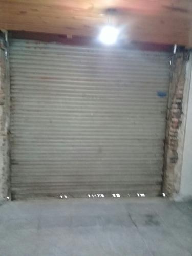 cortina metalica para negocio....de 2.40 de ancho y de alto