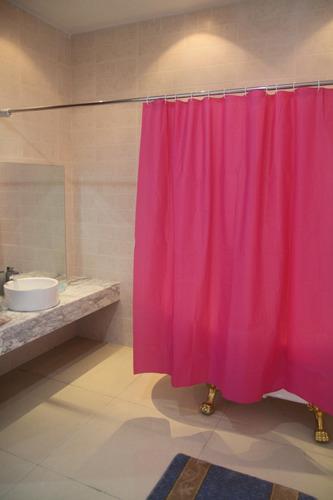 cortina para baño peva fiusha 1.80 x 1.80cm