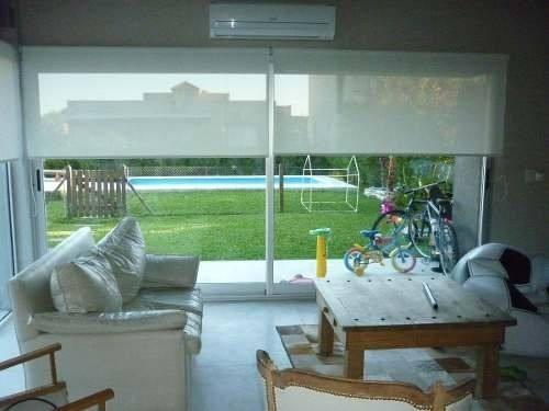 cortina roller sunscreen 5% 150 x 200 para living o cocina