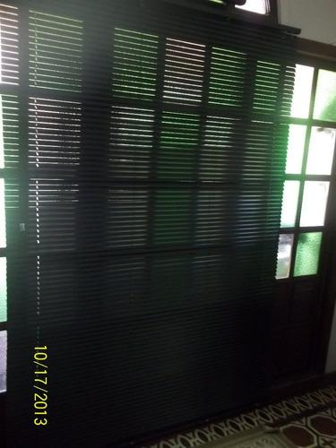 cortina veneciana herveys en aluminio negro 1,41 x 2,20