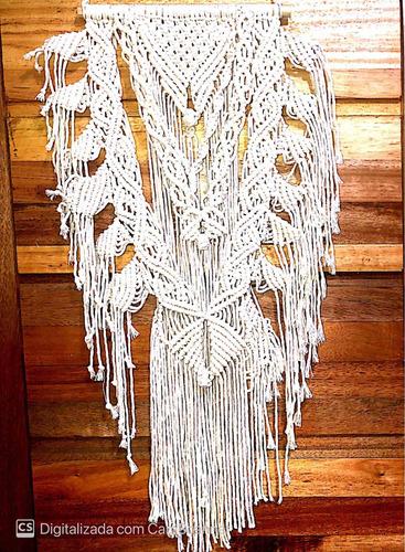 cortinas, braceletes e painéis em macrame