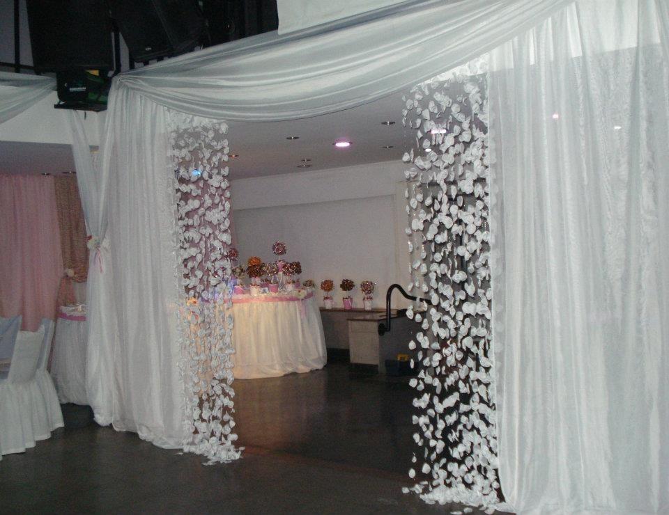 Decoracion cortinas cortinas con encanto en la sala de - Decoracion con cortinas ...