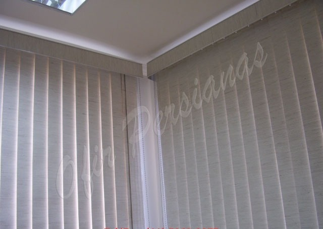 Cortinas para sala persiana vertical blackout 12xs juros for Cortinas de persiana