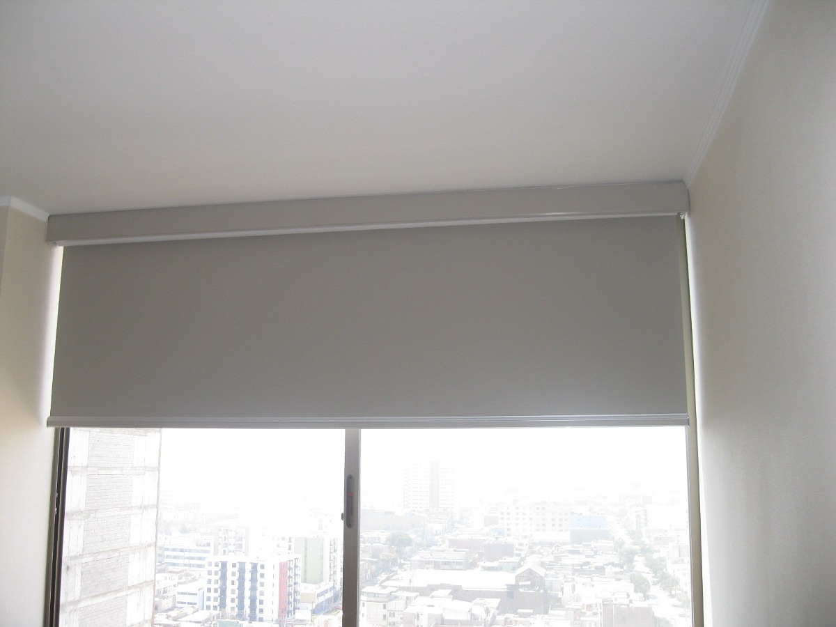 Cortinas roller enrollables en black out motorizados u for Cortinas black out precios
