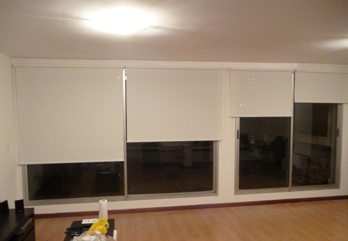 Cortinas roller screen y black out en for Cortinas black out precios