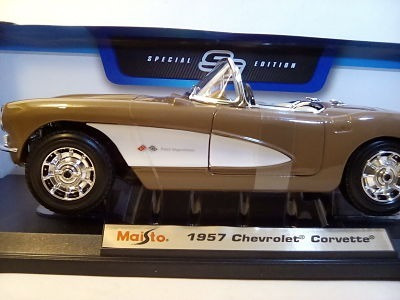 corvette 1957 a escala 1/18