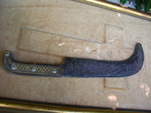 corvo muy antiguo,  chileno,cacha de plata trabajada.
