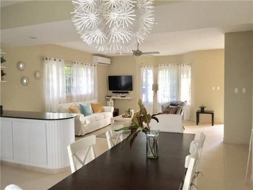 costa bavaro bavaro  villa duplex  for rent