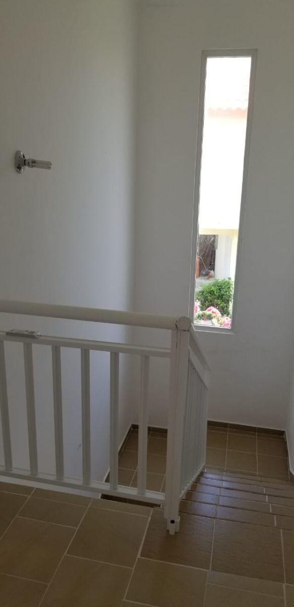 costa bavaro villa duplex  vacia