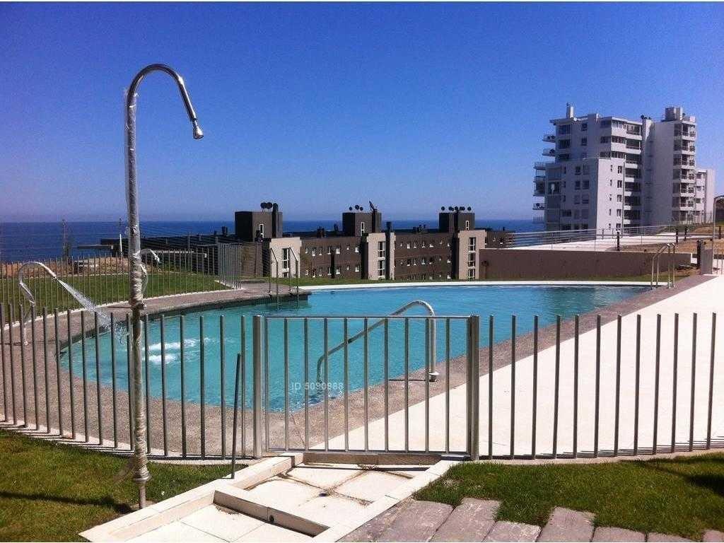 costa de montemar, excelente estado, poco uso.vista despejada.terraza cerrada