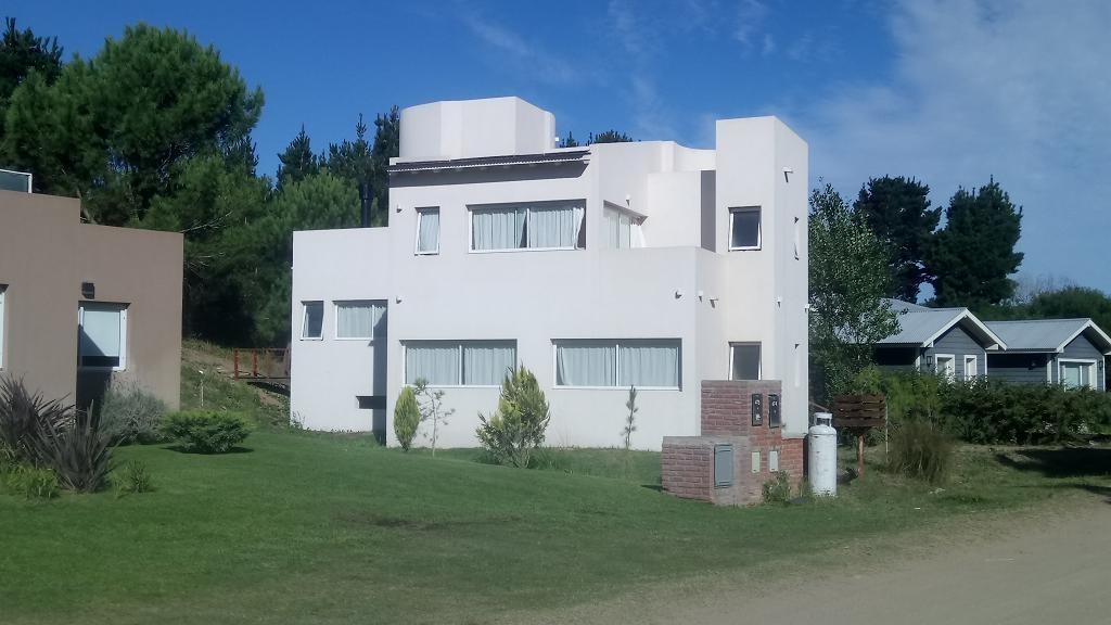 costa esmeralda casa 3 dormitorios 3 baños deportiva 2 l 474
