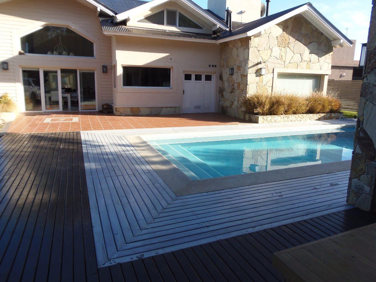 costa esmeralda casa de 360 mts2 a 250 mts del parador playa