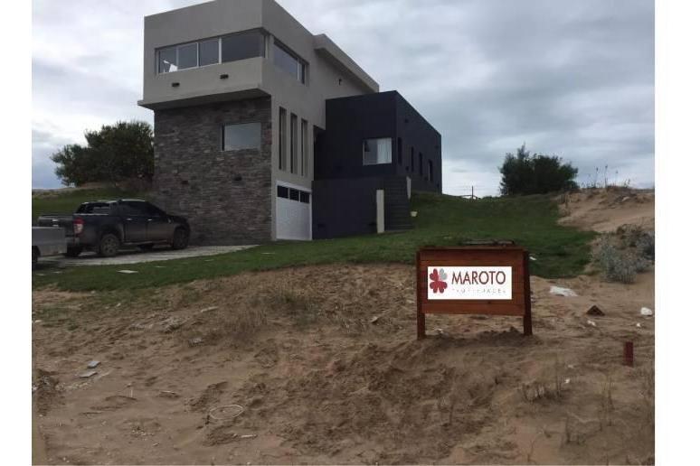 costa esmeralda - casa en venta en barrio golf 1