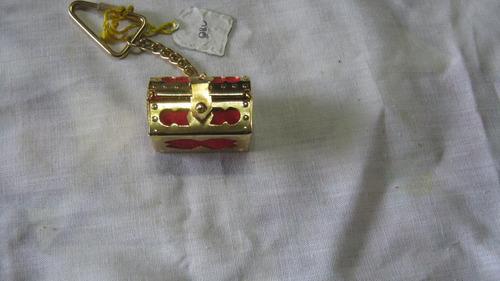 costurero llavero miniatura con aguja, hilo, dedal impecable