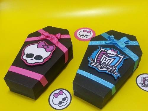 Cotillones De Monster High Cajita Con Forma De Ataud - Bs. 800,00 ...