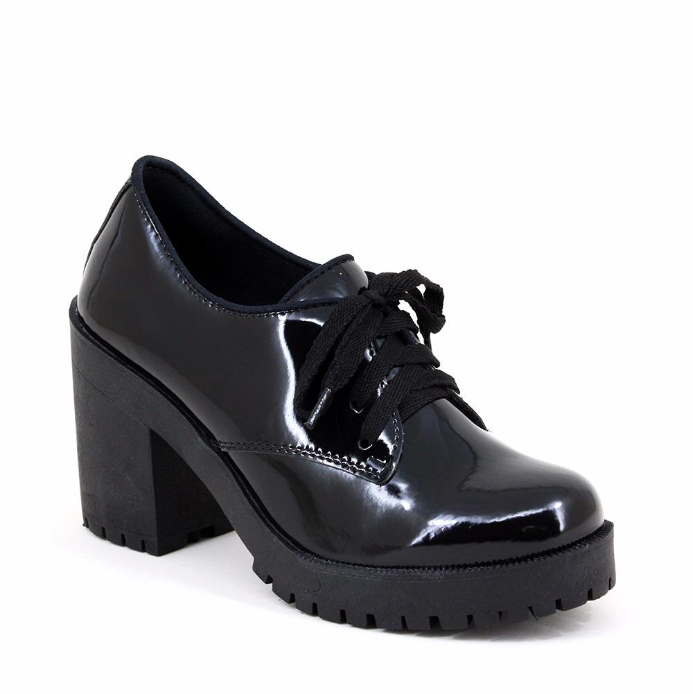 3c9a82e96 coturno bota salto grosso tratorado verniz preto luxo top. Carregando zoom.