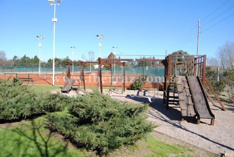 countries y barrios cerrados venta ayres plaza