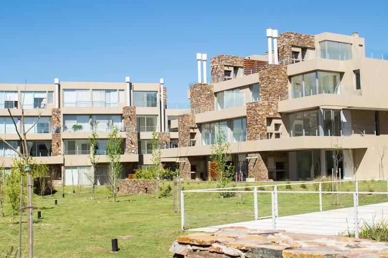 countries y barrios cerrados venta castaños -  las piedras