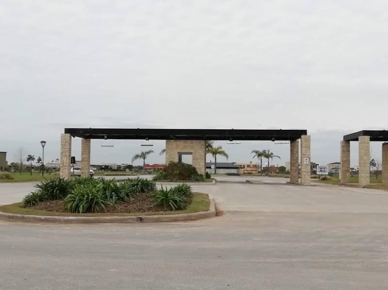 countries y barrios cerrados venta el cantón puerto