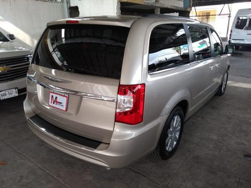 country aut chrysler town