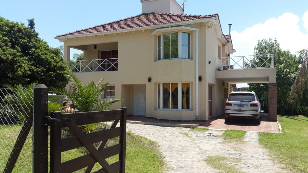 country cuatro hojas  casa s/bv. principal