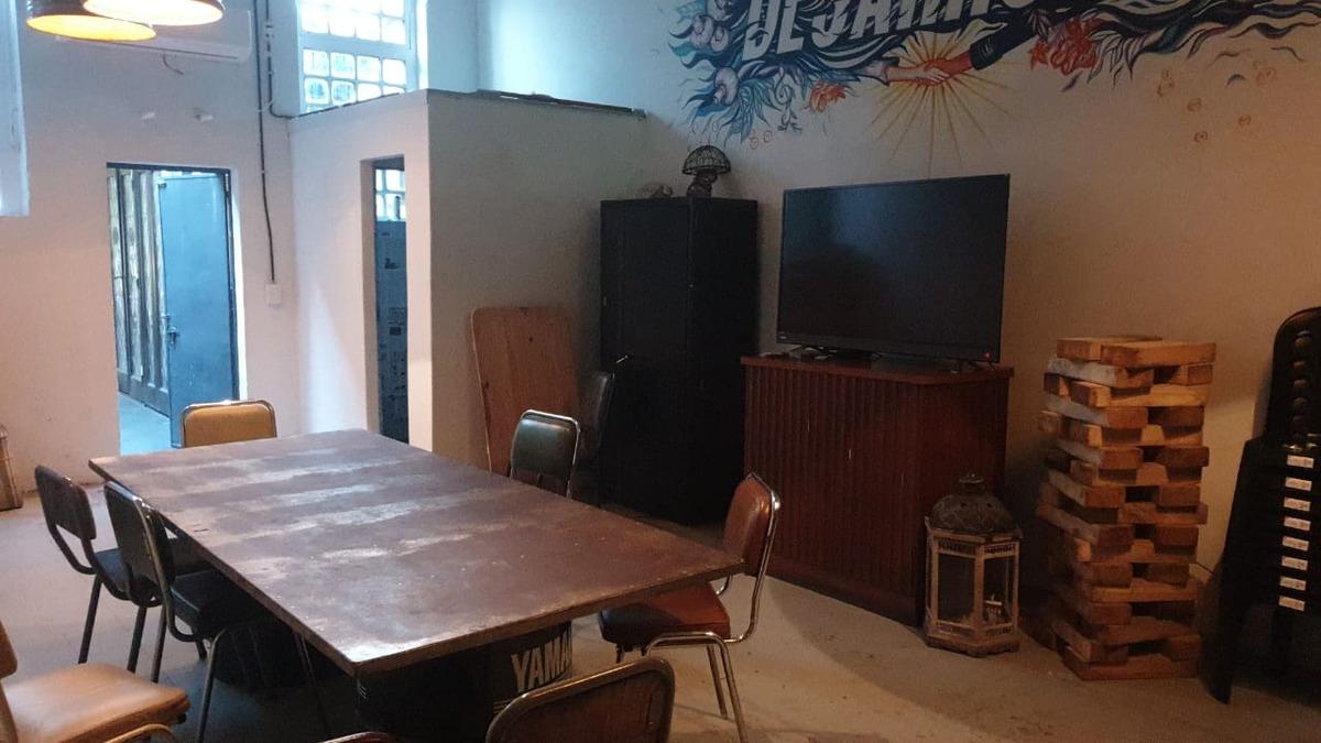 coworking oficina compartida villa urquiza  sala reunión