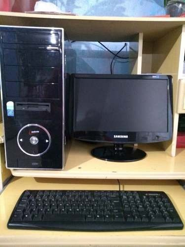 cpu completa quad core  4gb + monitor 17