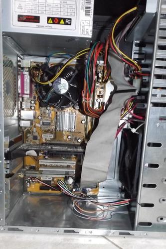 cpu e2220 + memória. 3 gb + ssd 120gb + placa mãe asus + geforce 6200