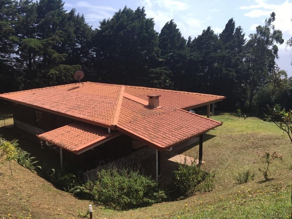 cr76. hermosa casa tipo cabaña en póas de alajuela