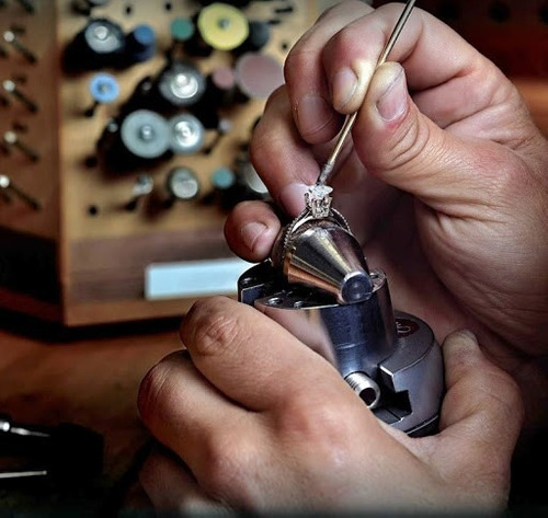 cravador de joias. fazemos cravação de pedras no atacado.