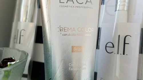 crema color con hialuronico laca