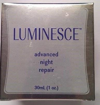 crema nocturna de reparación avanzada luminesce