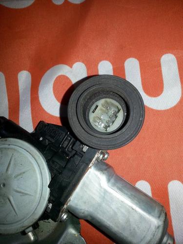 cremaller de la puerta trasera de yaris 2003 electrica derec
