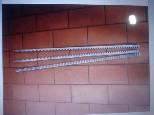 cremalleras de hierro negro o galvanizado   portones. 1 mts