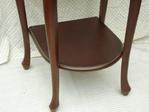 criado mesa cabeceira