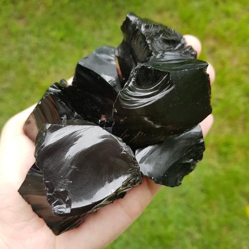cristal - pedra bruta - obsidiana negra - proteção