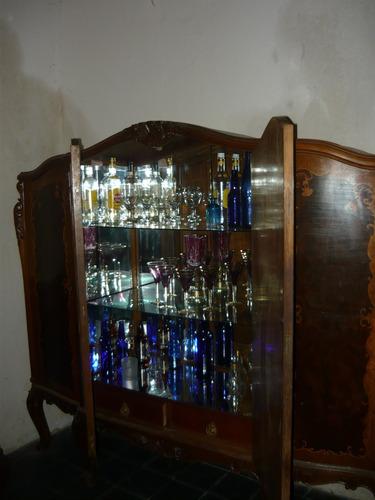 cristalero antiguo c/ marqueteria...