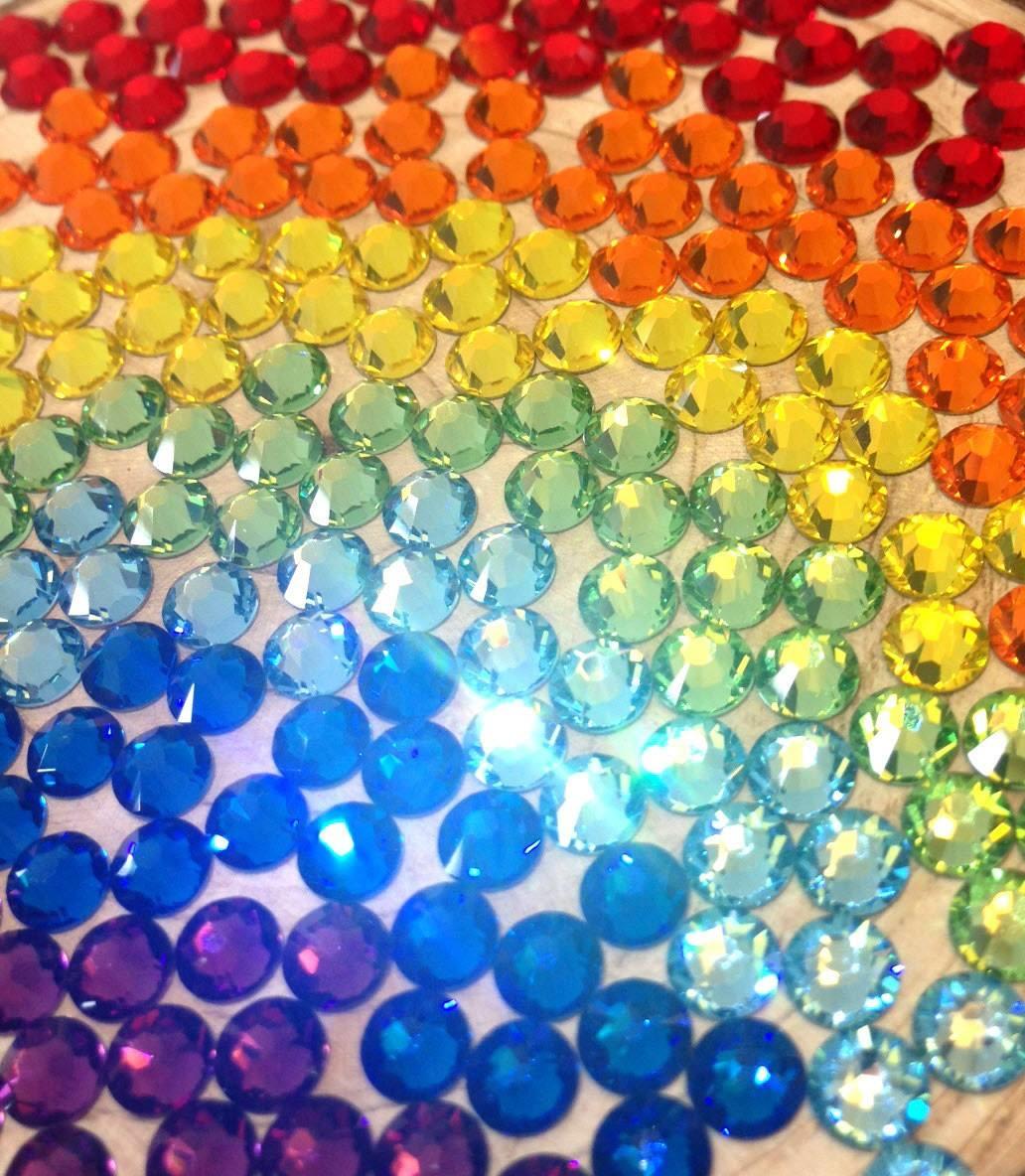 Cristales para decorar mochilas en colores en - Puertas con cristales de colores ...
