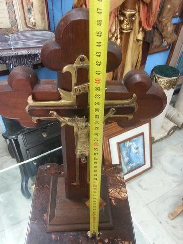 cristo de mesa antiguo en bronce y madera cedro